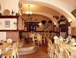 09-interier-restaurace-v-penzionu