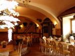 10-interier-restaurace-v-penzionu