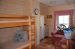 interier-apartma-penzionu-detska-postel-0006